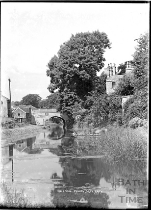 The Kennet and Avon Canal, Sydney Buildings, looking towards the bridge at Bathwick Hill, Bath c.1930