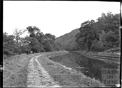 The Kennet and Avon Canal at Limpley Stoke, below Murhill c.1930