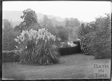 Batheaston House, back garden, 1922 / 1923