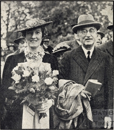 Mr H M MacVicar with Mrs T R Worthington opening the Alice Park pleasure ground June 1938