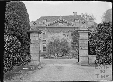 Entrance gates to Widcombe Manor c.1922