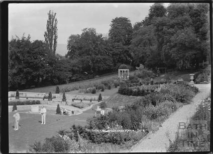 The gardens, Widcombe Manor c.1929