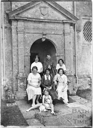 Family portrait outside Cold Ashton Manor, 1935