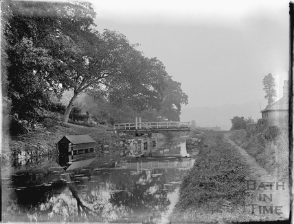 Swing bridge on the Kennet and Avon Canal, Bathampton c.1920
