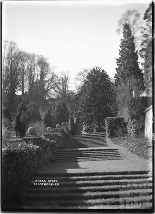 Grass steps in the garden of St Catherines Court 1922