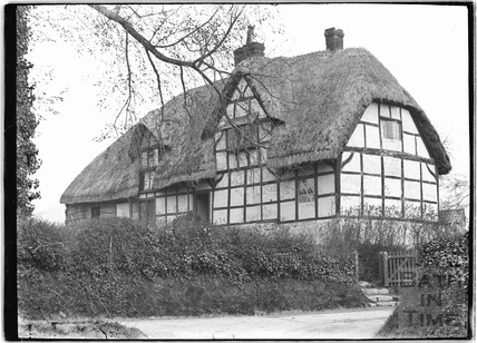 Unidentified thatched, timer framed house c.1920s