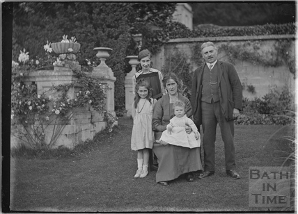 Family at Widcombe Manor, 1921