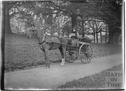 Horse-drawn Carriage, Monkton Combe 1910