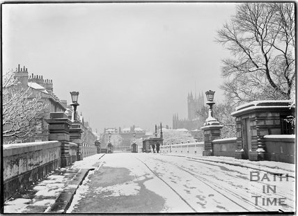 North Parade Bridge in winter, 25 April 1908