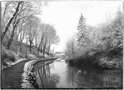 The Kennet and Avon Canal in winter, Bathwick, Bath c.1920