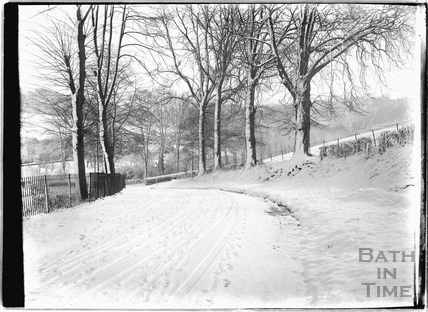 Horseshoe Walk, Bathwick in the snow, c.1920s