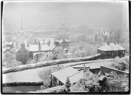 The wintry Kennet and Avon Canal, Sydney Buildings, Bathwick, Bath c.1920