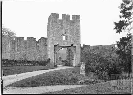 The Gatehouse, Farleigh Castle, Farleigh Hungerford, 30 Oct 1931
