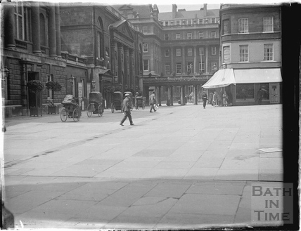 Abbey Churchyard looking towards the Grand Pump Room Hotel c.1937