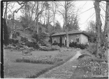 Iford Manor Peto Gardens, No.10 c.1930s