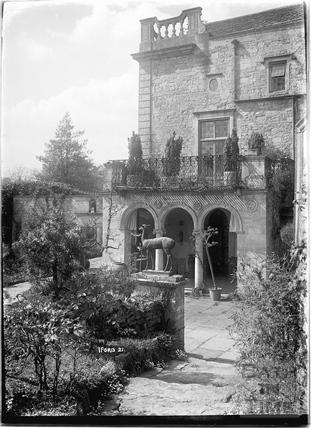 Iford Manor Peto Gardens, No.21 c.1930s