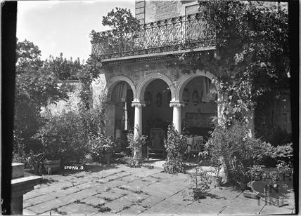 Iford Manor Peto Gardens, No.9 c.1920s