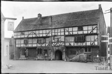 The George at Norton St Philip c.1930s