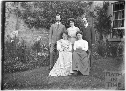 Members of the Bence Family, Batheaston, c. July 1909
