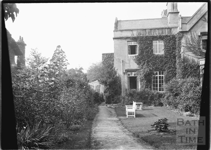 Unidentified back garden, thought to be Sydney Buildings? c.1920s