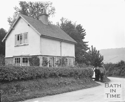 Cottage at the bottom of the drive to Monkton House, Warminster Road, Limpley Stoke c.1920s
