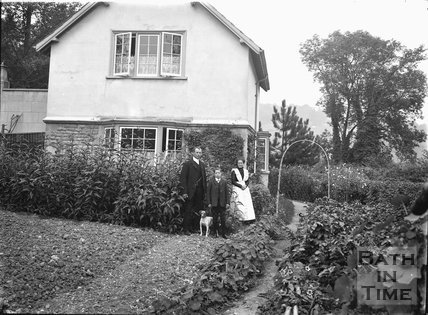 Cottage at the bottom of the drive of Monkton House, Warminster Road, Limpley Stoke c.1920s