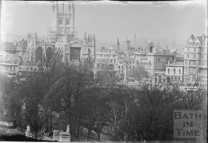 Bath Abbey in scaffold c.1940s