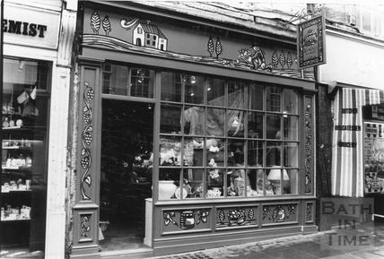 Bowlers in Westgate Street 17 Feb 1989