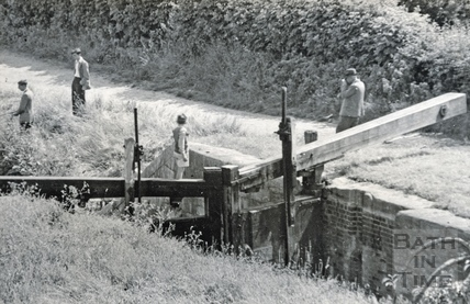 The photographer in action! By the Kennet and Avon Canal, Bathwick, Bath c.1930