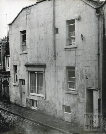 Calton Road (with New Trafalgar Place behind the camera), Holloway, Nov 1965