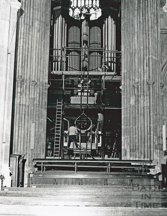 Bath Abbey's organ 18 Jan 1973