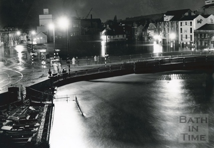 The Old Bridge and Broad Quay in flood, 1960