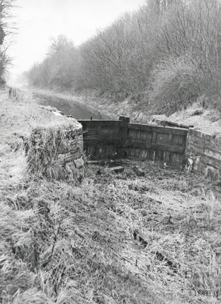 A stop lock on the Kennet and Avon Canal, Murhill? c.1970