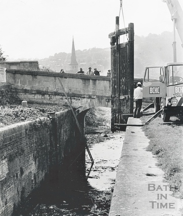 Removing a lock gate on the Kennet and Avon Canal, Widcombe, Bath 1970