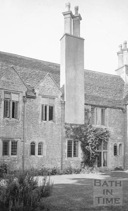 Cold Ashton Manor large chimney c.1910