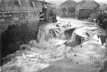 Floods at Stambridge, Coalpit Road, Batheaston 1932