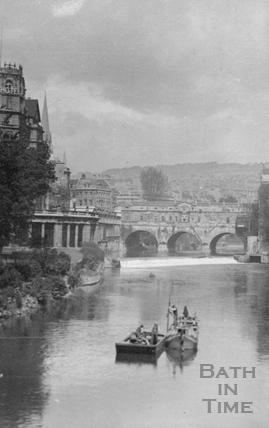 View of Pulteney Bridge from North Parade Bridge c.1917