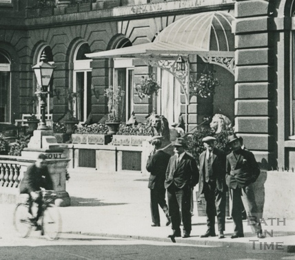 Grand Pump Room Hotel, view from Cheap Street, Bath c.1930 - detail