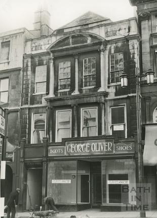 Oliver's, 24 High Street c.1964