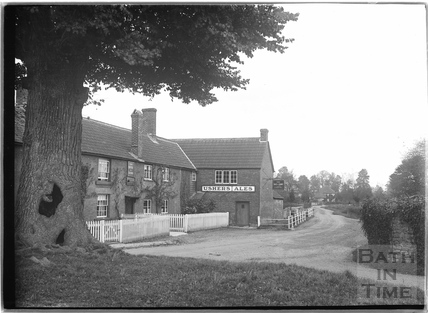 The Rose and Crown Inn, Steeple Ashton c.April 1936