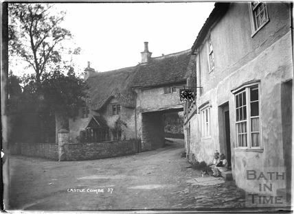 The Castle Inn, Castle Combe No.27 c.November 1933