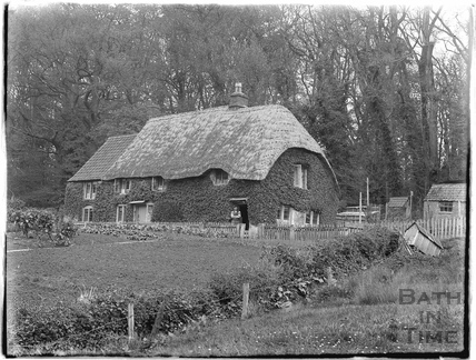 A thatched cottage in Lacock, 1926