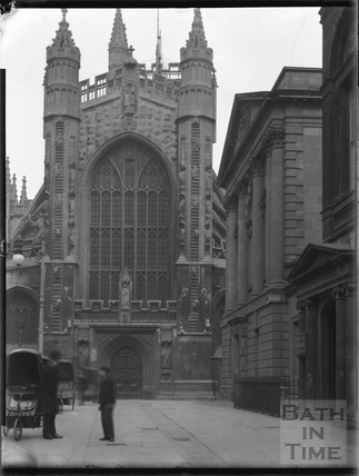Abbey Churchyard, outside the Pump Room c.1900