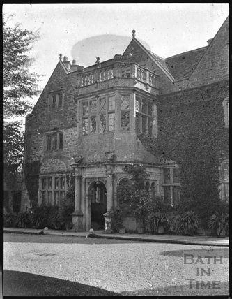 The entrance to St Catherines Court, Batheaston c.1900