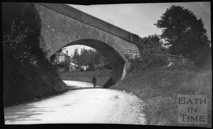 Rounding the bend at Dry Arch, Bathampton c.1900