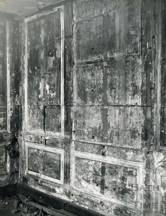 The stone panelled attic at No. 24 High Street Jan 1964