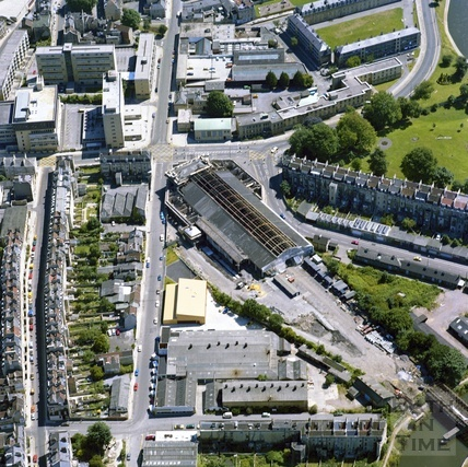 1981 Aerial view of Bath showing the unrestored Green Park Station, Green Park Buildings and New King Street 29 Sept