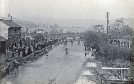 Skating on the frozen Kennet and Avon Canal, Bathwick, Bath 1928-1929