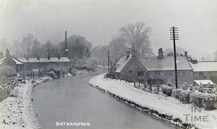 A snowy Kennet and Avon Canal by the George Inn, Bathampton c.1920