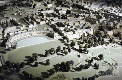 The Bath model, Royal Crescent